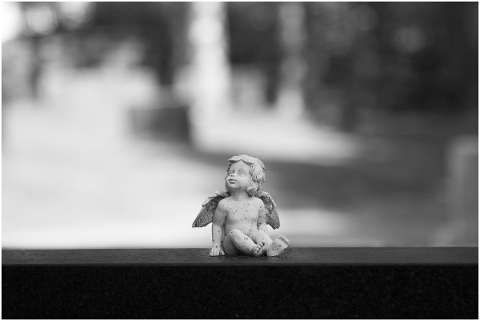 grayscale-cemetery-statue-angel-5107539
